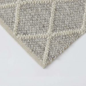 Mitre rug colour Feather