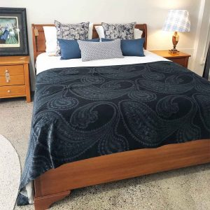 NZ made King size sleigh bed