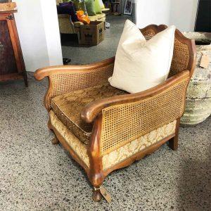 Vintage Queen Anne style rattan chair