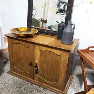 Vntage 2 door buffet sideboard