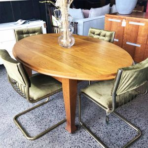 oval solid oak dining table