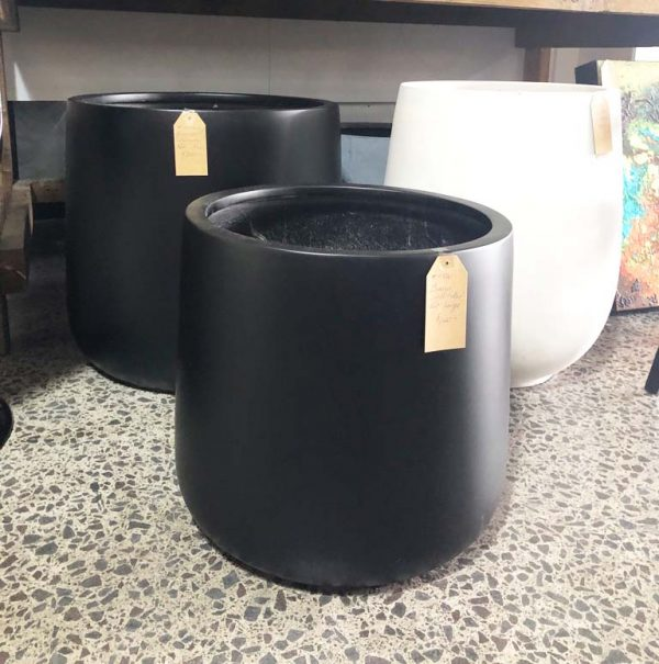 cylinder pot grouping in black