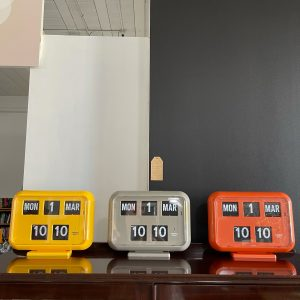 retro flip clocks with date and time