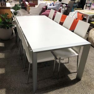 white extension dining table