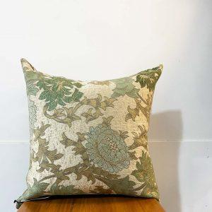 Green chrysanthemum cushion