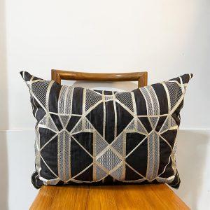 Mokum embroidered black and gold lumber